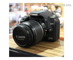 Canon 1000D with 18-55mm IS Lens Dslr camera